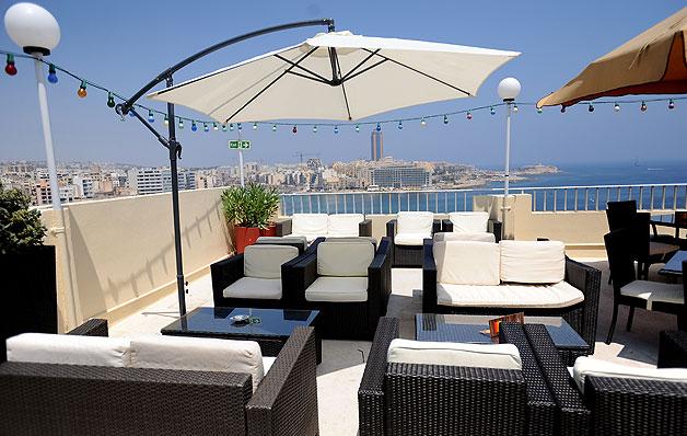 Hotel Foyer Malta : Facilities plaza hotels sliema hotel in malta